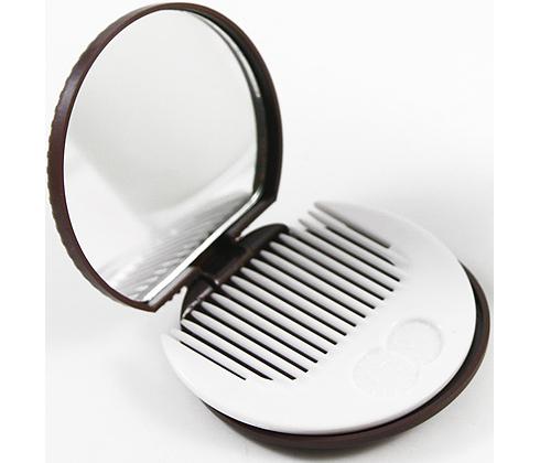 Le rose aux joues un miroir de poche en chocolat for Miroir de poche